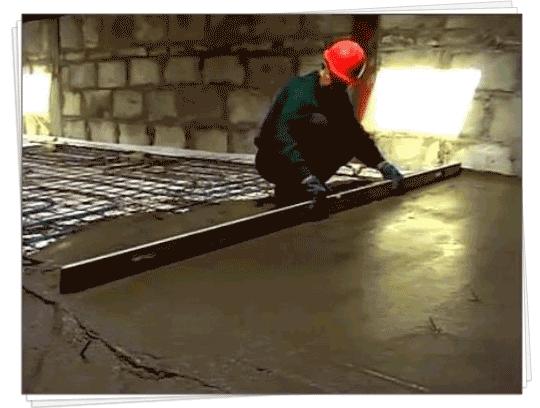 виконання стяжки як завершуючий етап при монтажу теплої підлоги