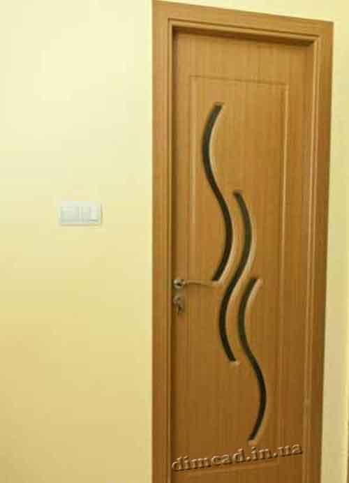 установка лиштв на двері