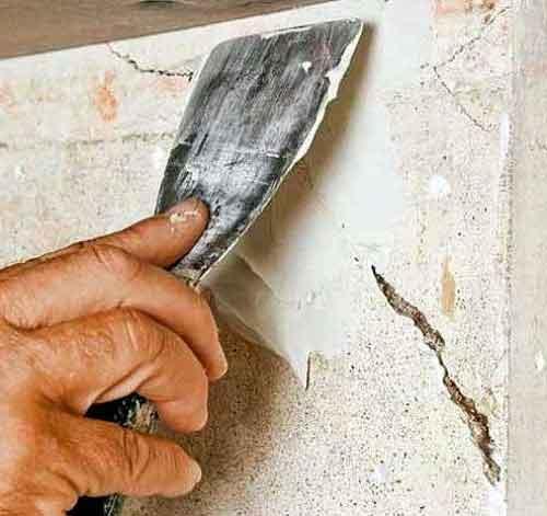 чим за шпаклювати тріщини у стіні