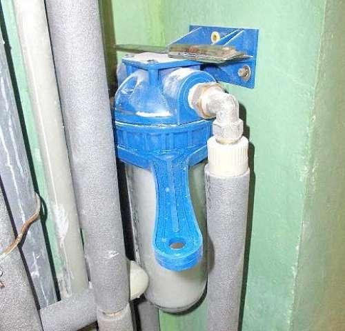 заміна  грубого фільтра для води