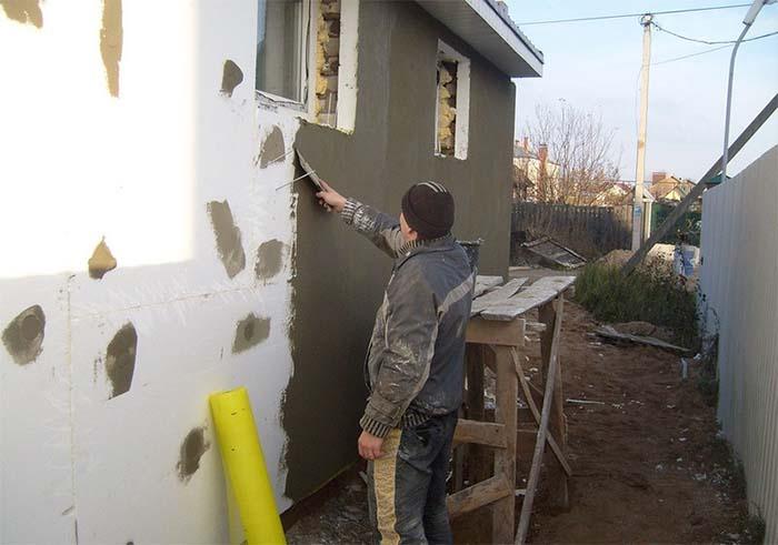 монтаж пінопласту на фасад стіну