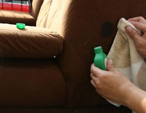 як почистити оббивку дивана крісла у домашніх умовах