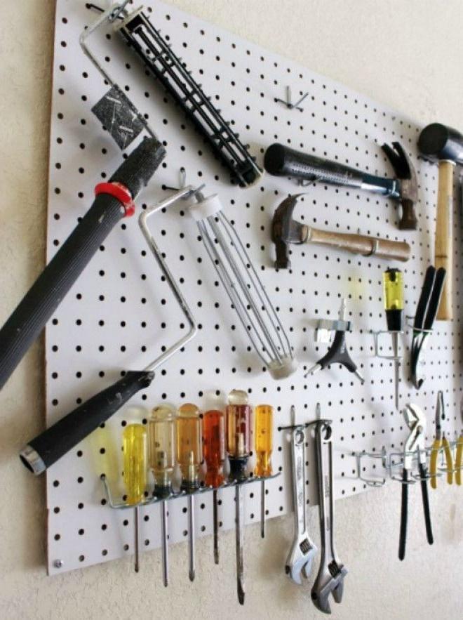 Органайзер для інструментів з перфорованої панелі