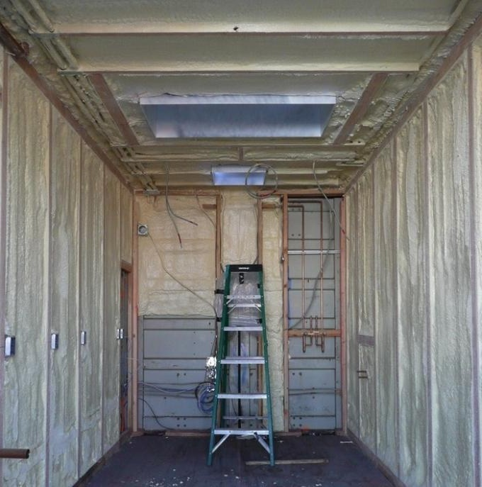 Як утеплити будинок з контейнерів?
