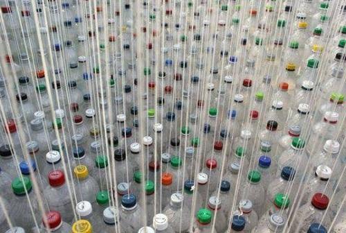 навіс для автомобіля із пластикових пляшок
